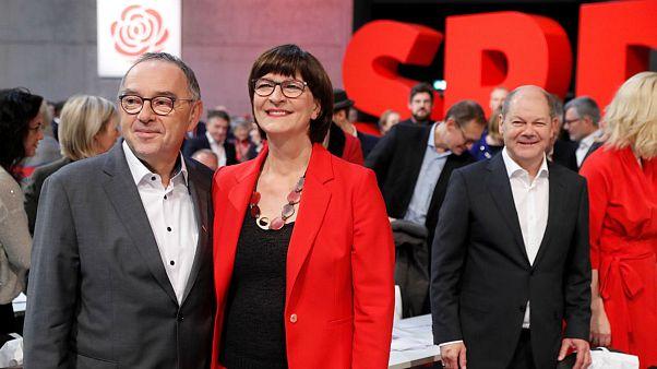 حزب سوسیال دموکرات آلمان ائتلاف خود با دولت آنگلا مرکل را حفظ خواهد کرد