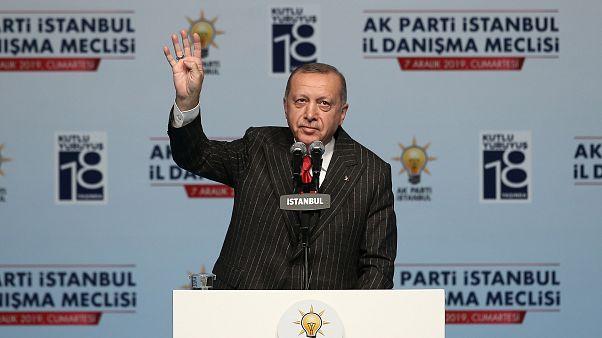 Cumhurbaşkanı Erdoğan, Haliç Kongre Merkezi'nde AK Parti İstanbul Genişletilmiş İl Danışma Meclisi Toplantısı'na katıldı. ( Arif Hüdaverdi Yaman - Anadolu Ajansı )