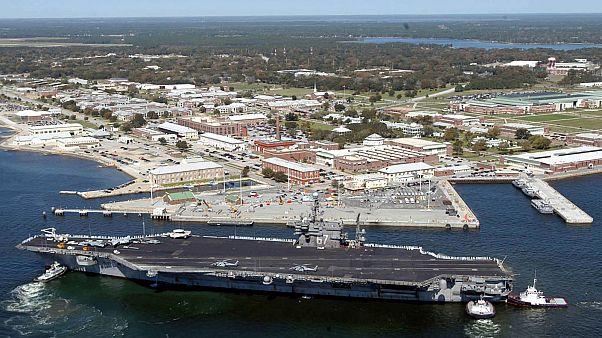 قاعدة بنساكولا البحرية والجوية في فلوريدا - 2004/03/17 -