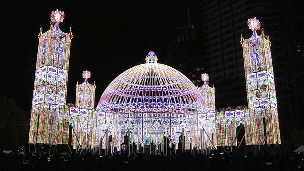 ژاپن در «جشنواره روشنایی» یاد قربانیان زلزله ۲۴ سال قبل را گرامی داشت