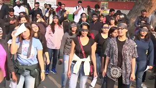 Demonstranten fordern entschiedenere Maßnahmen gegen Vergewaltigungen