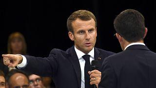 الرئيس الفرنسي إيمانويل ماكرون أثناء نقاش حلو الإصلاحات في نظام التقاعد في روديز جنوبي فرنسا. 03/10/2019