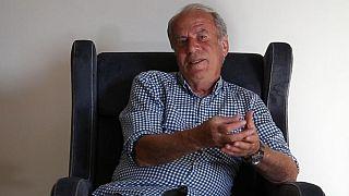 İran: Akaryakıt protestoları Mustafa Denizli'nin Traktör Futbol Kulübü'nden istifa etmesine yol açtı