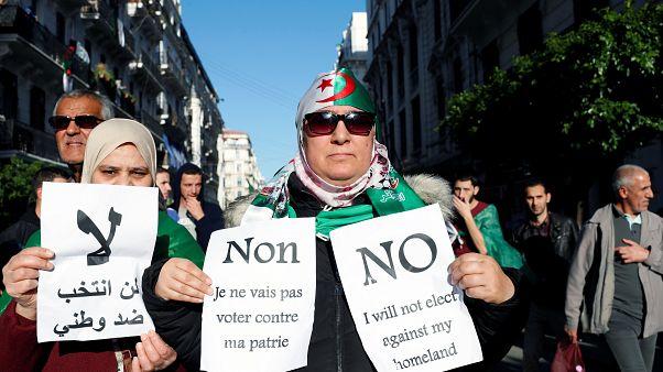 متظاهرون في العاصمة الجزائر رافضون للمشاركة في الانتخابات - 2019/12/06
