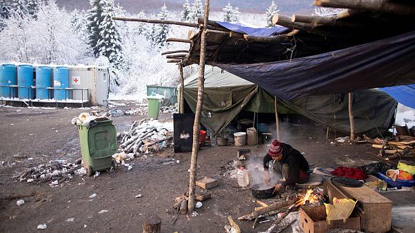 Megkezdék az életveszélyes vucjaki menekülttábor felszámolását