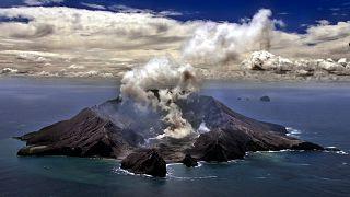 Erupción mortal en Nueva Zelanda: el volcán Whakaari deja numerosos muertos y heridos