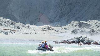 فوران آتشفشان در نیوزیلند دست کم ۵ کشته برجای گذاشت