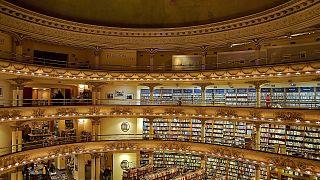 Az El Ateneo könyvesbolt belülről
