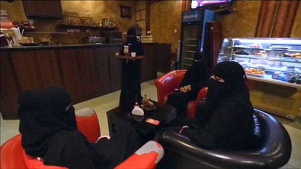 Szaúd-Arábia: újabb ajtó nyílt a női egyenjogúság felé