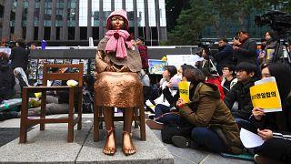 Seul'de 'comfort women' (Rahatlatıcı kadınlar) heykeli - AFP