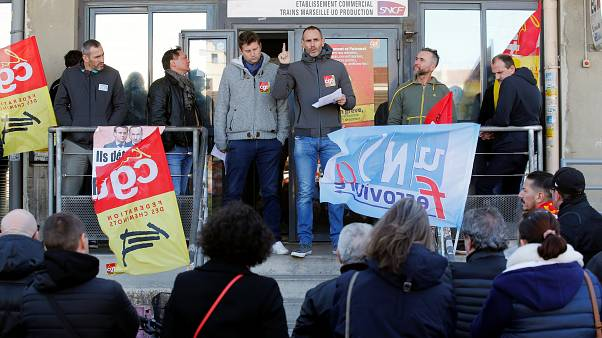 فيديو: استمرار إضراب وسائل النقل العام في فرنسا لليوم الخامس