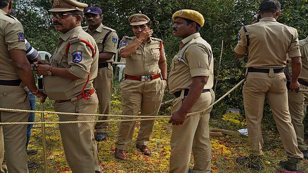 """قتل الشرطة الهندية أربعة """"مجرمين"""" يفتح الجدل حول """"الإعدام خارج القانون"""""""