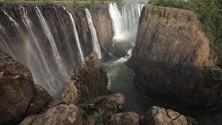 Zimbabve'deki dünyaca ünlü Victoria Şelalesi kuraklık sebebiyle susuz kaldı
