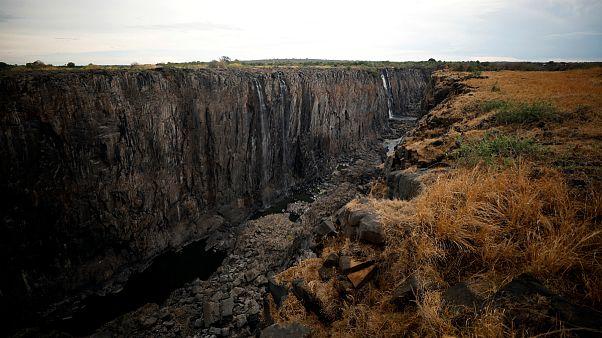 «خشکسالی قرن» در زیمبابوه آبشار ویکتوریا را در آستانه نابودی قرار داد