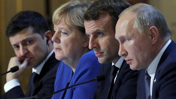Dialogue et divergences pour la première rencontre entre Poutine et Zelensky