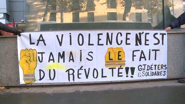 Gendarmes et gilets jaunes se font face au tribunal de Narbonne : un procès pour l'exemple?