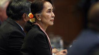 Myanmar lideri Aung San Suu Kyi, Myanmar'a açılan soykırım suçlamasını savunmak için Uluslararası Adalet Divanı'nda. Lahey / Hollanda