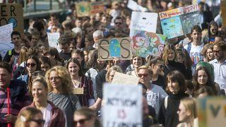 A harmadik globális klímasztrájkhoz kapcsolódó budapesti tüntetés résztvevői 2019. szeptember 27-én