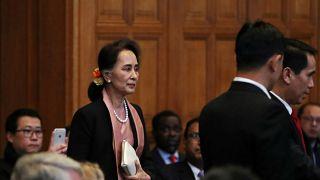 Στη Χάγη η Αούνγκ Σαν Σου Κι για την γενοκτονία των Ροχίνγκια