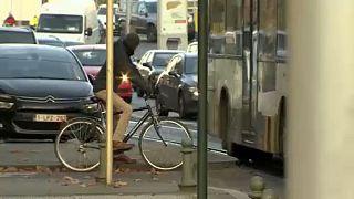 Bruxelles tra traffico e inquinamento, una vita difficile per i ciclisti