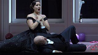 Donizetti'nin nükteli komedisi 'Don Pasquale' Zürih'i hayran bırakıyor