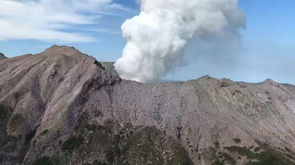 Még 8 eltűntet keresnek a vulkánszigeten