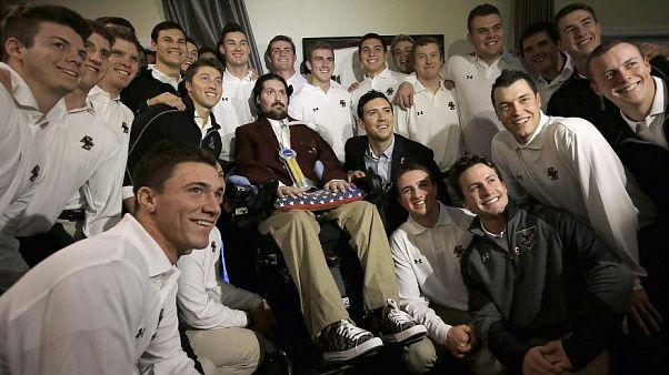 Pete Frates mit Sportlern des Boston College Baseball Teams