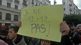 Алжир: акции противников и сторонников президентских выборов