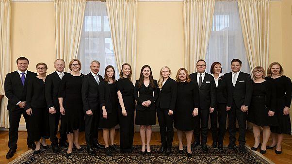 رئيسة الوزراء الفنلندية سانا مارين وأعضاء حكومتها