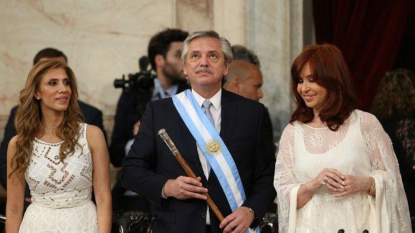 آلبرتو فرناندر در مقام رئیس جمهوری جدید آرژانین سوگند یاد کرد