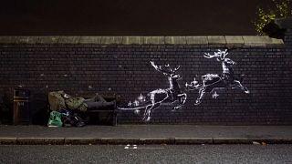 Το νέο έργο του Banksy για τους άστεγους της Βρετανίας
