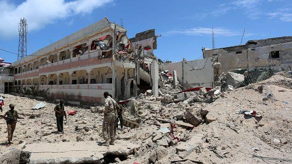 5 قتلى في هجوم استهدف فندق سيل في مقديشو والقضاء على منفذي الاعتداء