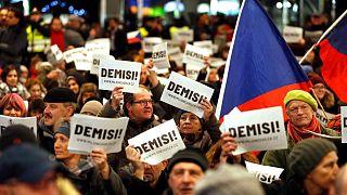 Miles de checos exigen la dimisión del primer ministro por supuesta corrupción