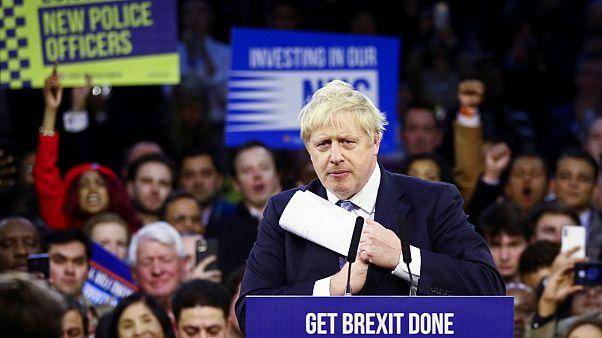 İngilizler kritik seçimler için sandık başında