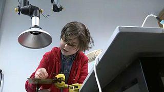 صبي بلجيكي يستعد للالتحاق بجامعة أمريكية لنيل الدكتوراة في الهندسة الكهربائية