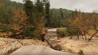 Προβλήματα από την «Διδώ» - Κατέρρευσε γέφυρα στην Εύβοια