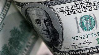 کاهش ۵۵۰ تومان نرخ رسمی دلار؛ قیمت سکه با وجود رشد طلا پایین آمد