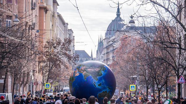 Demonstráció a globális klímasztrájk keretében Budapesten 2019. november 29-én