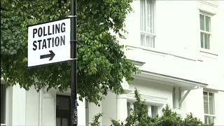 Megkezdődött az előrehozott választás az Egyesült Királyságban