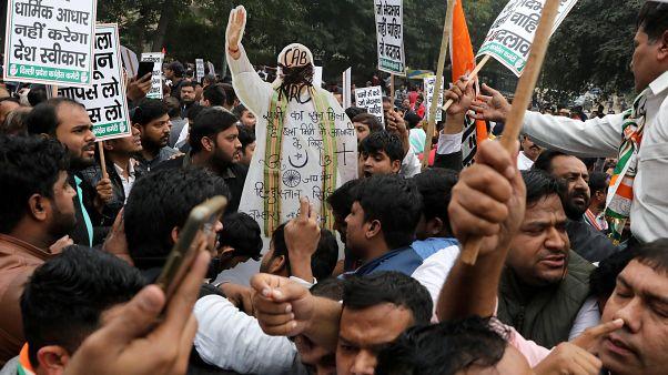 البرلمان الهندي يصادق على قانون يمنح الجنسية للمهاجرين غير المسلمين