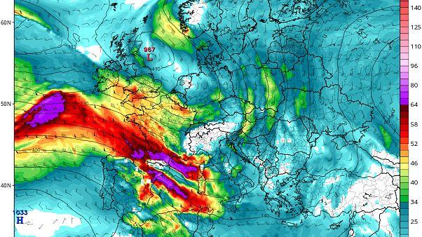 Previsión de presión y viento en altitud (1.500 m) para el viernes 13.