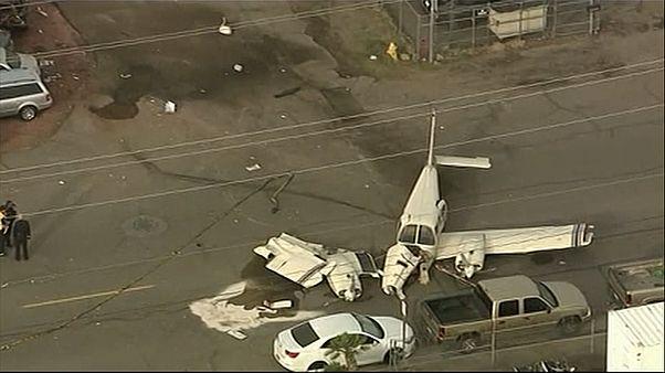 Phoenix: atterraggio d'emergenza per un bimotore, illesi i passeggeri