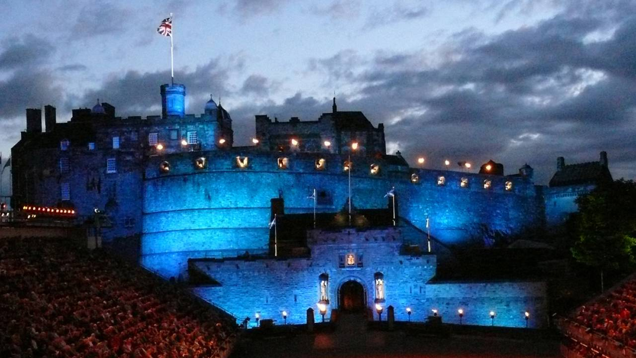 Il castello di luce a Edimburgo, l'opera e Charlie Chaplin negli eventi europei della settimana