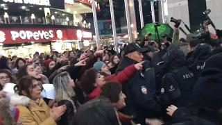 Ankara'da Las Tesis protestosuna polis müdahalesi