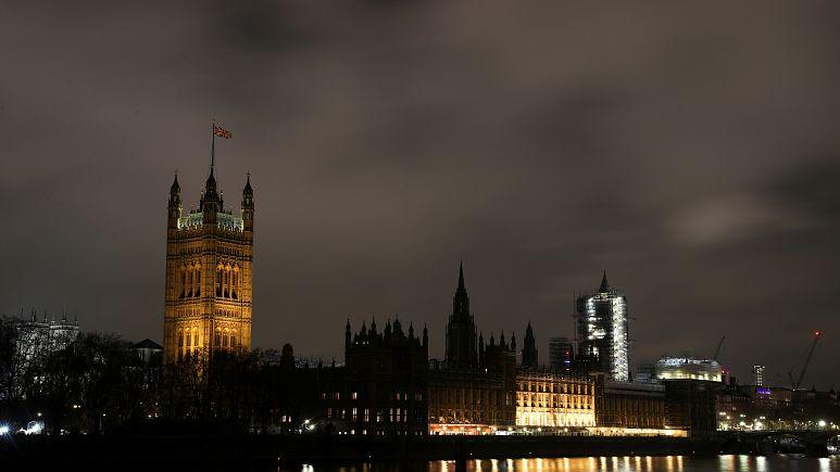 Exit poll: консерваторы в Британии получают абсолютное большинство