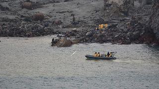 Hat holttestet már kihoztak a Whakaari-vulkán mellől
