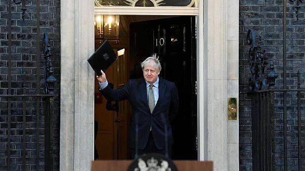 Boris Johnson devant le 10 Downing street, à Londres le 13 décembre 2019.