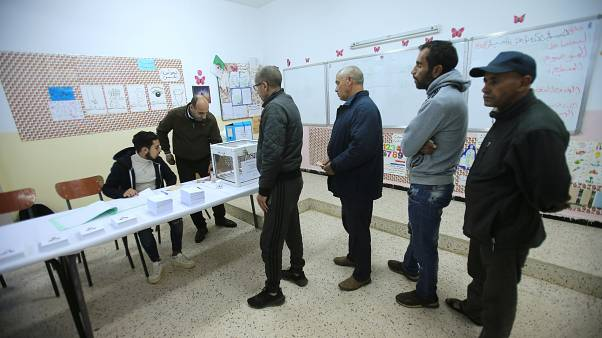 أقلّ من 40% من الناخبين الجزائريين أدلوا بأصواتهم في الانتخابات الرئاسية