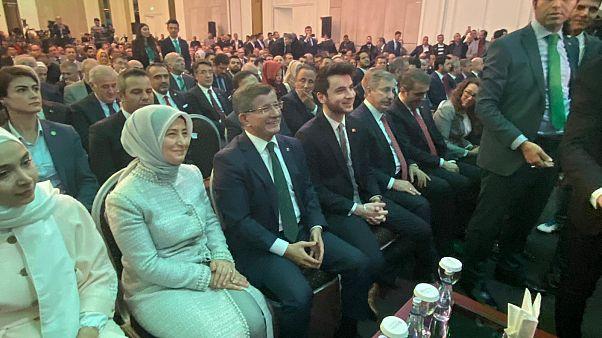 Ahmet Davutoğlu Gelecek Partisi'ni tanıttı