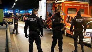 مردی که با چاقو ماموران را تهدید کرد به ضرب گلوله پلیس فرانسه کشته شد